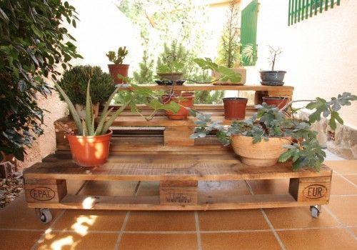 Jardinera palets con ruedas 2 PLANTAS Pinterest Jardineras