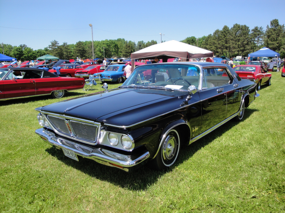 1964 Chrysler New Yorker Chrysler New Yorker Wikipedia With Images Chrysler New Yorker Chrysler Automobile