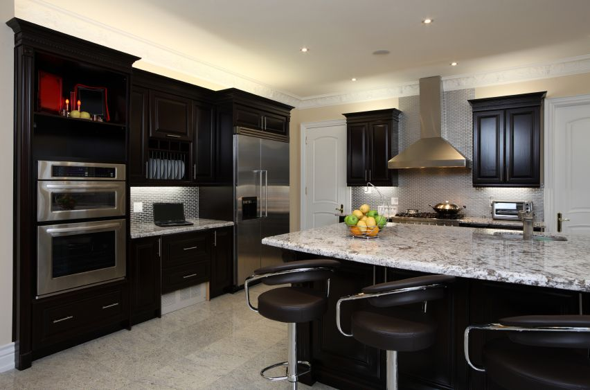 52 Dark Kitchens With Dark Wood Or Black Kitchen Cabinets 2021 Kitchen Design Dark Kitchen Cabinets Kitchen Cabinets And Backsplash