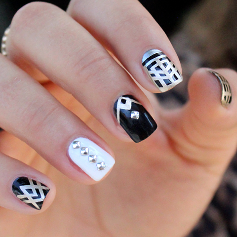 chique black and white nails