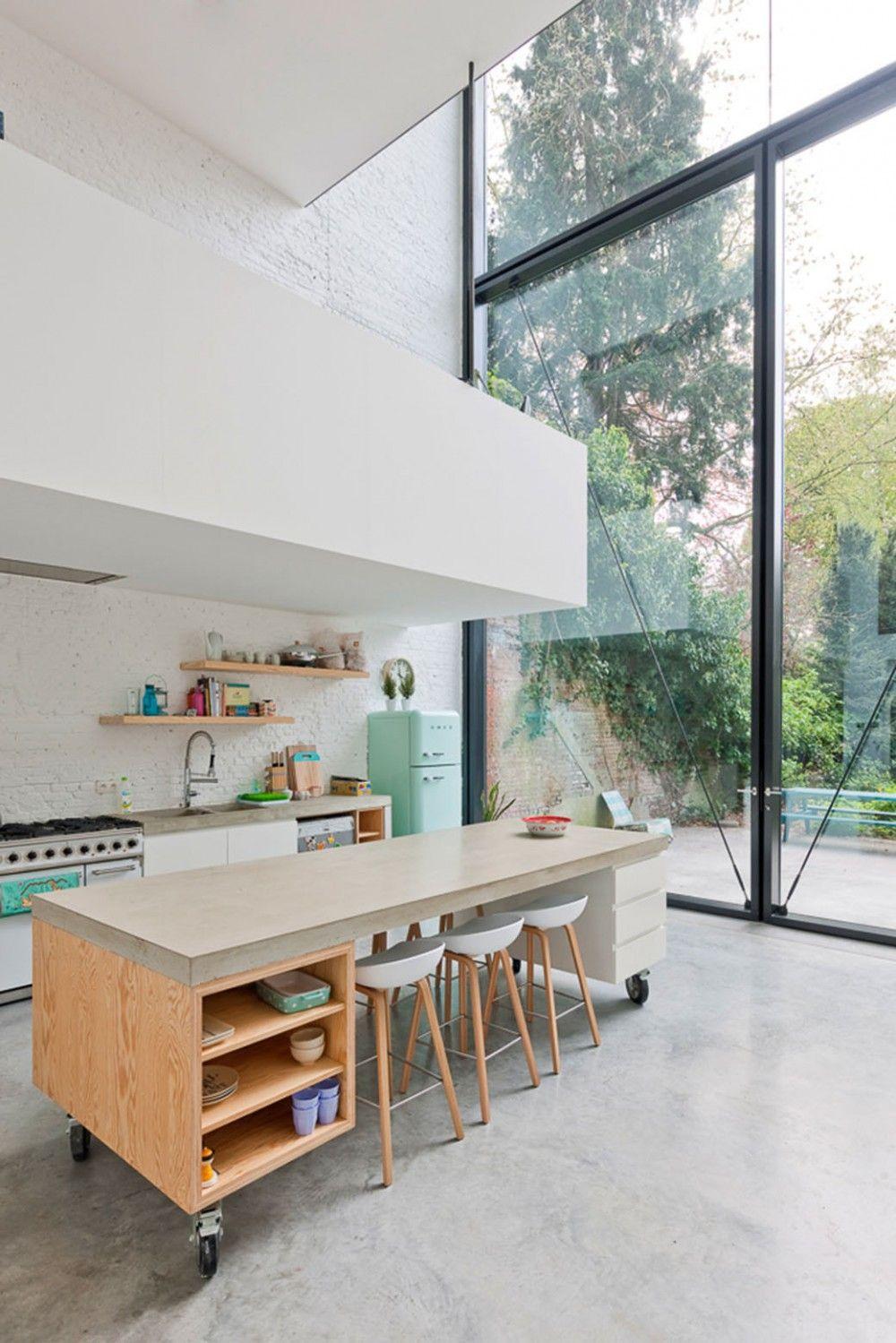 Puede Ser Una Buena Idea La Isla Con Ruedas Y La Cocina Es Fea  # Muebles De Cocina Feos