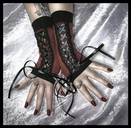unpractical gloves for the unpractical gal
