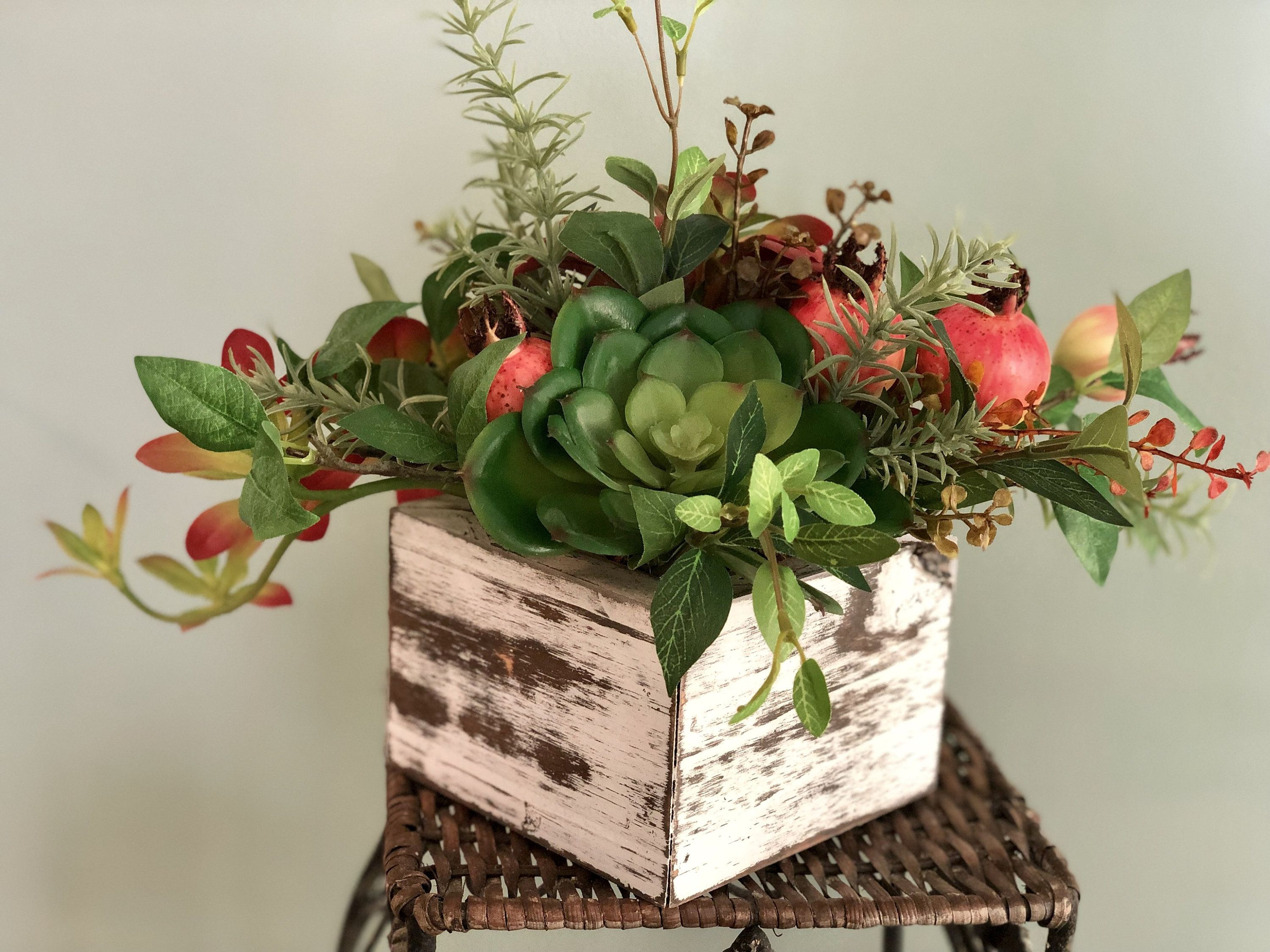 The Mary Succulent Centerpiece For Coffee Table Rustic Centerpiece Small Kitchen Table Ar Succulent Centerpieces Succulent Wreath Diy Coffee Table Centerpieces