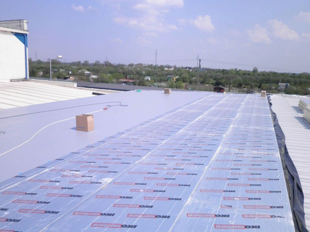 Iko Enertherm For Flat Roof Insulation Can Give Benefit For Your House Benefits Lightweight Boards And There Roof Insulation Flat Roof Insulation Flat Roof