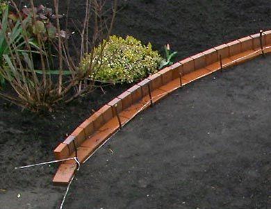 sandfrauchen die verwandlung meines vorgartens beeteinfassung garten pinterest plant bed. Black Bedroom Furniture Sets. Home Design Ideas