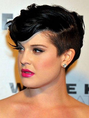 25 Best Hairstyles For Women With Round Face Cut Clothes And