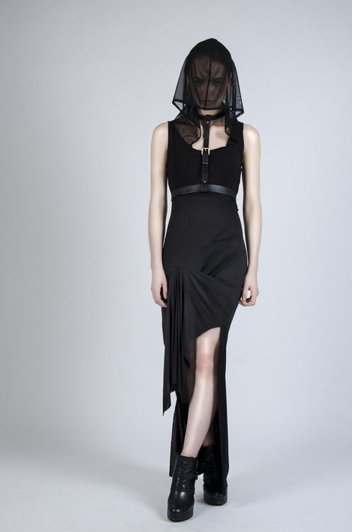 sanctusclothing:  The Luctuosa Maxi. View the rest of the Pre-Autumnus-Xiii range here