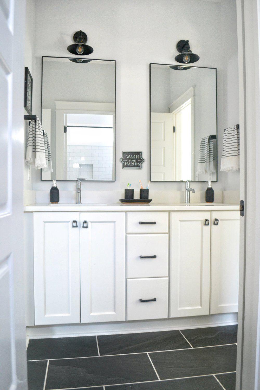 A Clic Black And White Bathroom
