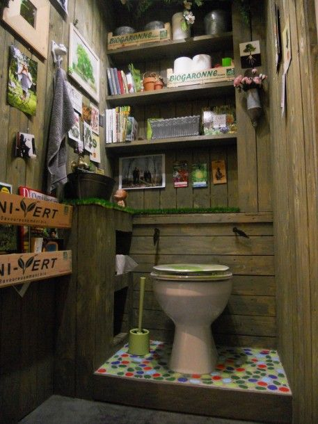 des wc comme une cabane de jardin des wc venus d 39 ailleurs pinterest decore maison zodio. Black Bedroom Furniture Sets. Home Design Ideas