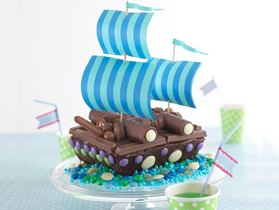 Pirate Ship Cake Pirate ships Birthdays and Pirate ship cakes