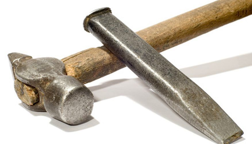 Learn How To Break A Rock With A Hammer And Chisel Hammer And Chisel Hammer Manufactured Stone