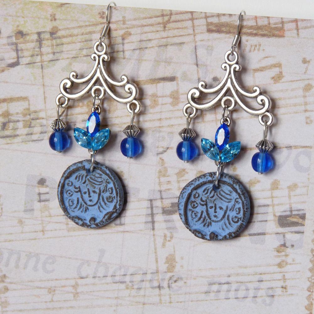 boucles d 39 oreilles chandelier bleues pendentifs c ramique boh me romantique boucles d. Black Bedroom Furniture Sets. Home Design Ideas