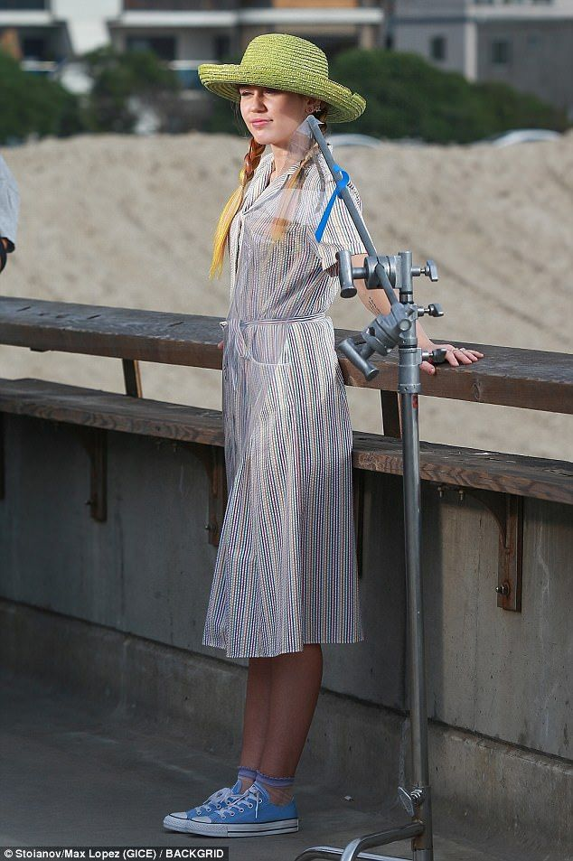 director Decorativo admiración  Miley Cyrus rocks three outfits while filming Converse commercial | Miley  cyrus show, Striped dress summer, Miley
