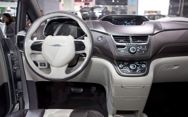 2016 Chrysler Town And Country With Images Chrysler Town And