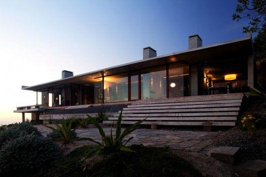 Casa Vattier. Elton+Leniz Arquitectos Asociados. Zapallar, Valparaiso, Chile. © Natalia Vial