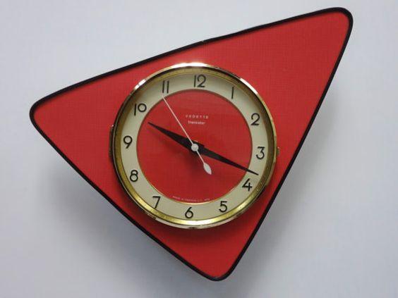 Quintessential 1950s French By Decofanatique 119 00 Vintage Clock Mid Century Clock Funky Wall Clocks