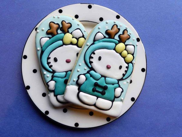 Hello Kitty Reindeer cookies!  So cute!!