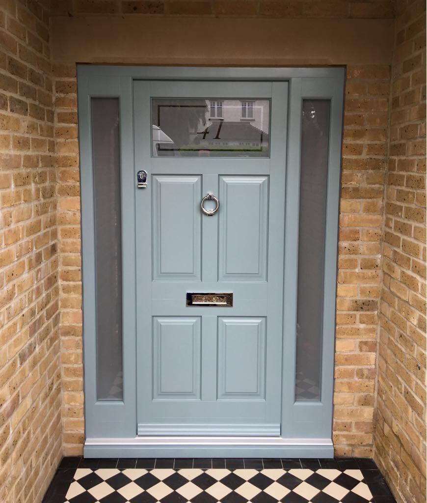 Our Francis style door with side panels. Sandblasted obscure glass with border and number etched detail. Colour matched to F&B Oval Room Blue. Fishing's with a Samuel Heath polished chrome ring knocker.
