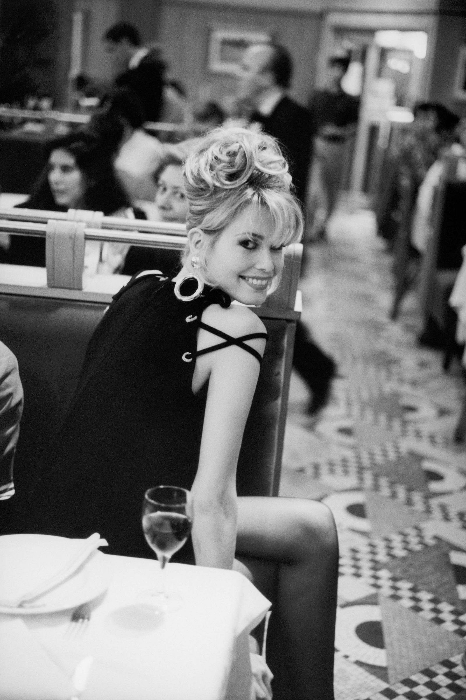 Claudia schiffer photographed by arthur elgort vogue september 1992 photography women fashion