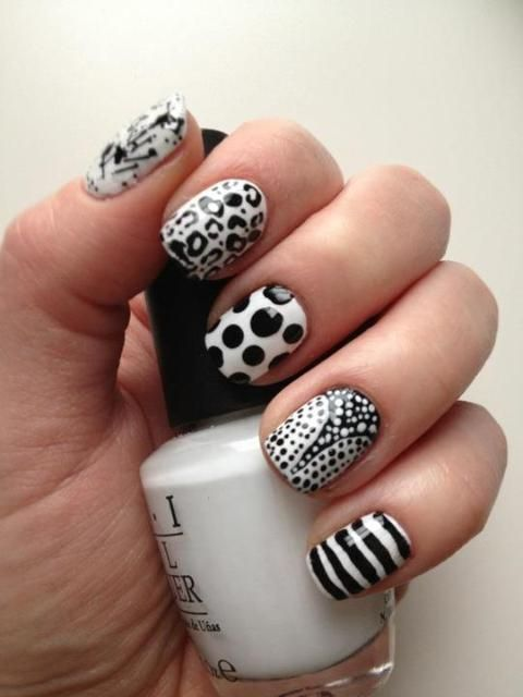 black and white nail art. so stylish!