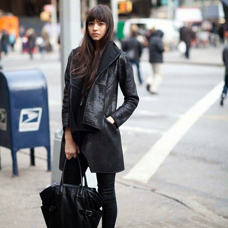All black leather street style