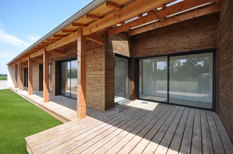 avant toit en douglas bardage alto pin classe 4 marron et terrasse en pin classe 4 marron. Black Bedroom Furniture Sets. Home Design Ideas