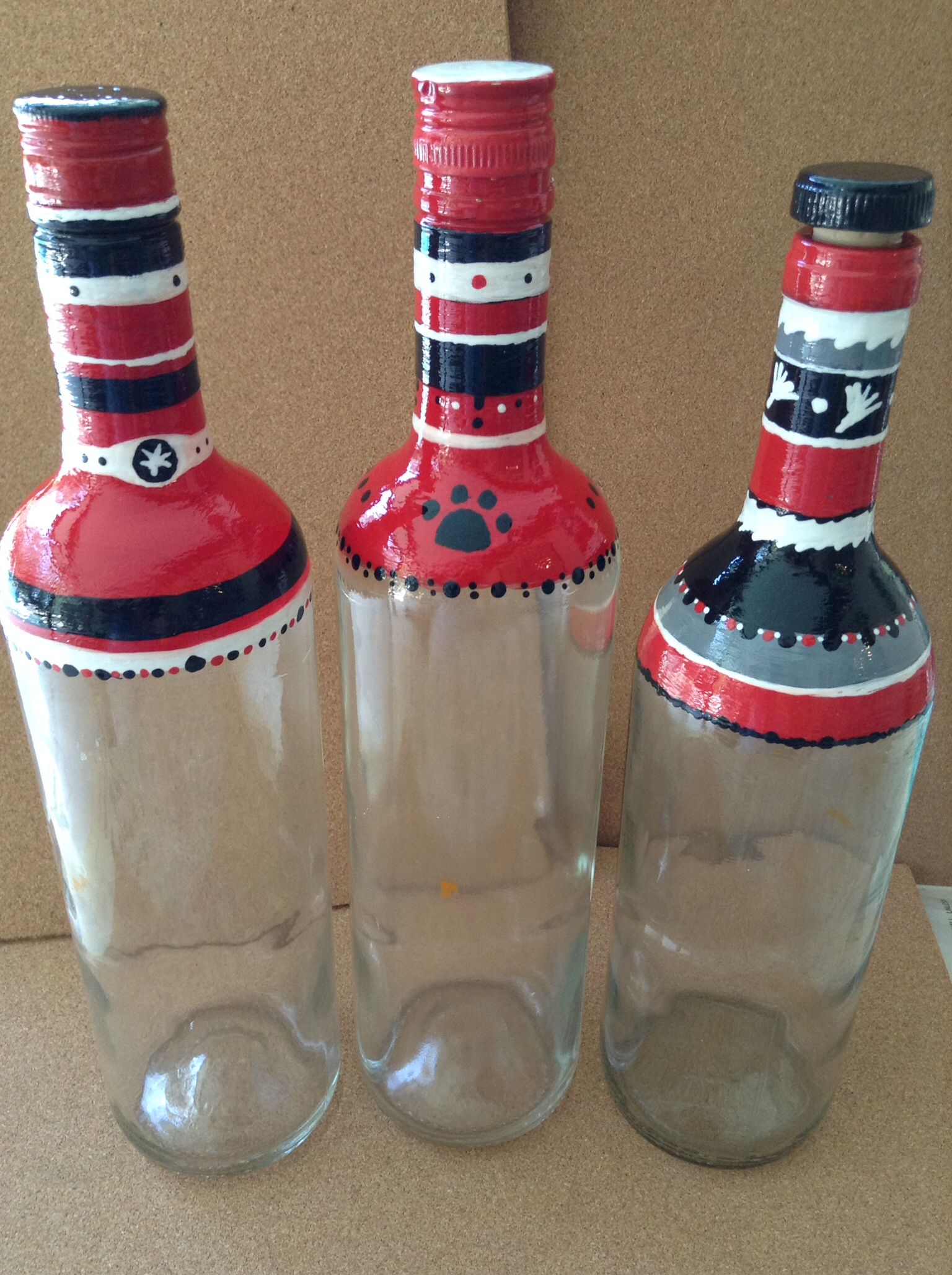 Recycled Wine And Liquor Bottles Hand Painted Football Theme Bottle Ready To Fill With Nuts Ohio State And Georgia B Bottle Crafts Wine And Liquor Diy Glass