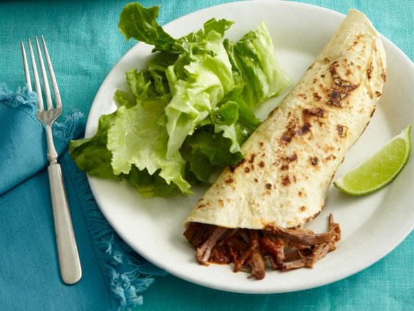 6 Super-Easy Recipes With Salsa: Slow-cooker beef fajitas #beeffajitarecipe