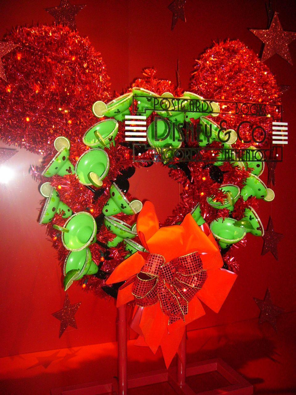 Disney Christmas Decorations. Walt Disney World - MGM ...