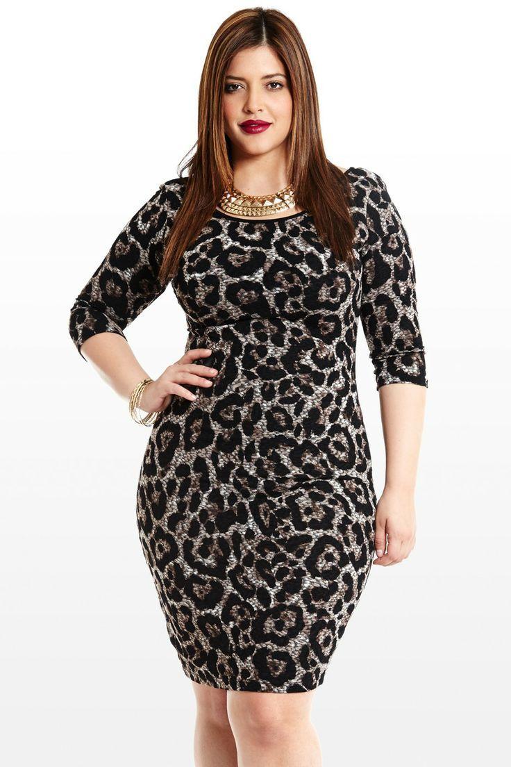 curvy woman black leopard print dress | curvy women fashion