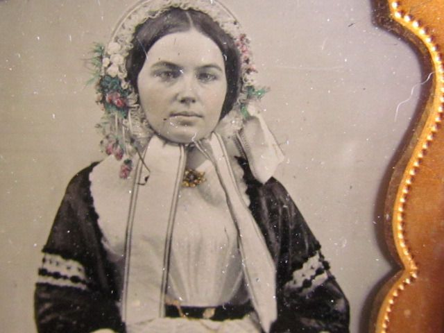 Pretty Victorian Woman Ambrotype Photograph Ebay Victorian Women Image Old Pictures