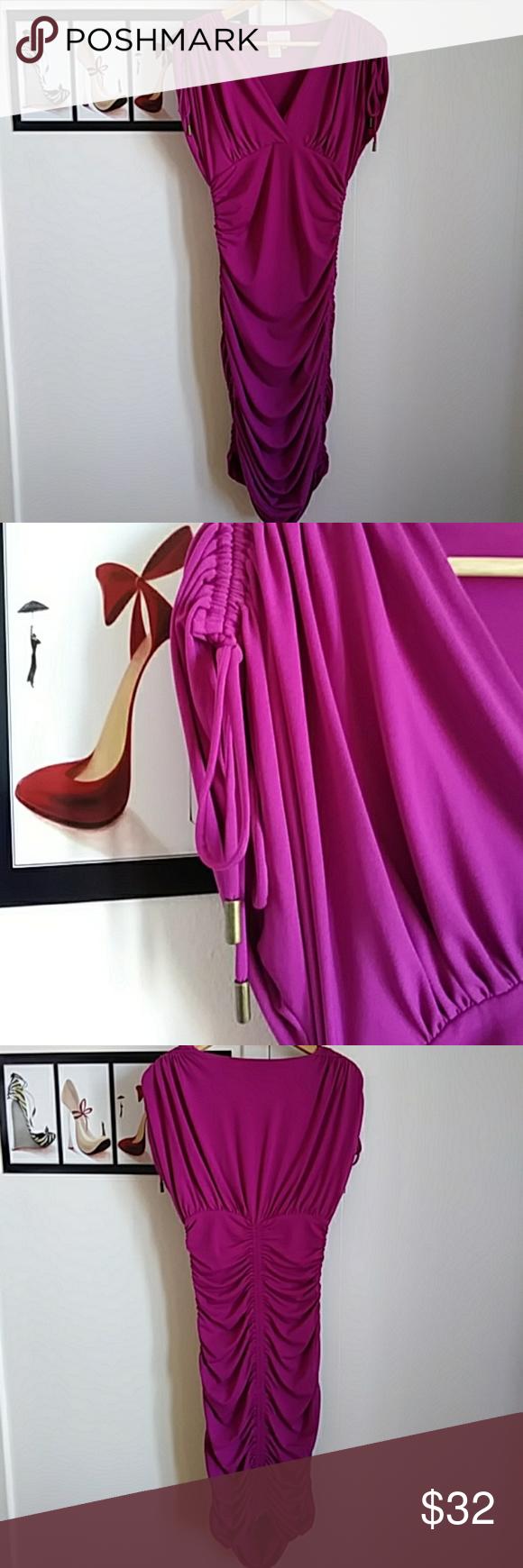 Cocktail dress sleveless Flattering rouched spandex Donna Morgan Dresses Midi