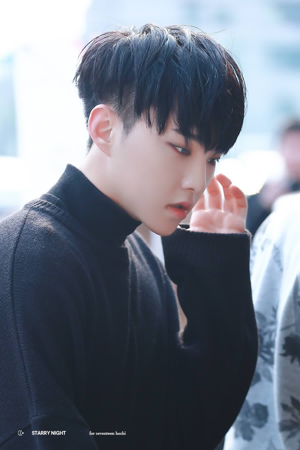 kwon soonyoung alguém pode me apresentar um homem mais lindo do que