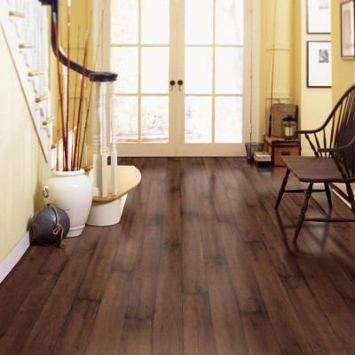 Beautiful Floor Color, Maple. Lovely accents of yellow and white.