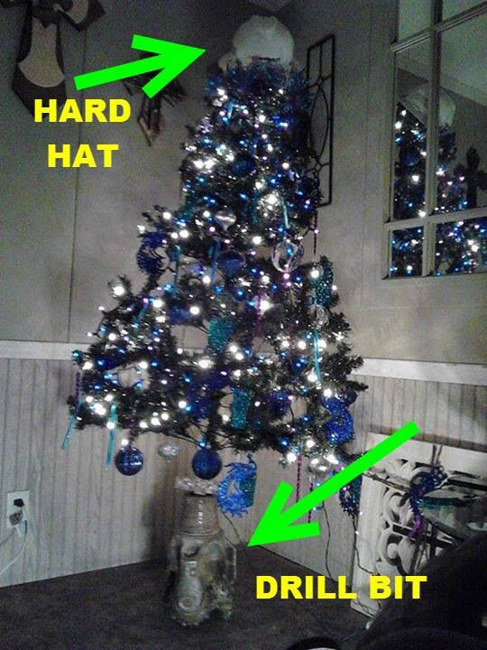 Attractive Oilfield Christmas Tree Part - 3: Roughneck Christmas Tree. My Husband Lovessssssssss Christmas. I Bet Heu0027d  Think This Was Awesome.