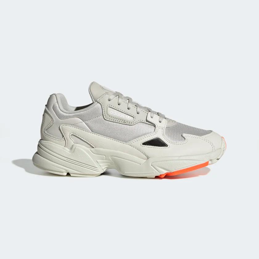 Espejismo Hacia atrás Migración  adidas Falcon Shoes - White | adidas US in 2020 | Adidas shoes women, Adidas  originals women, Casual sneakers