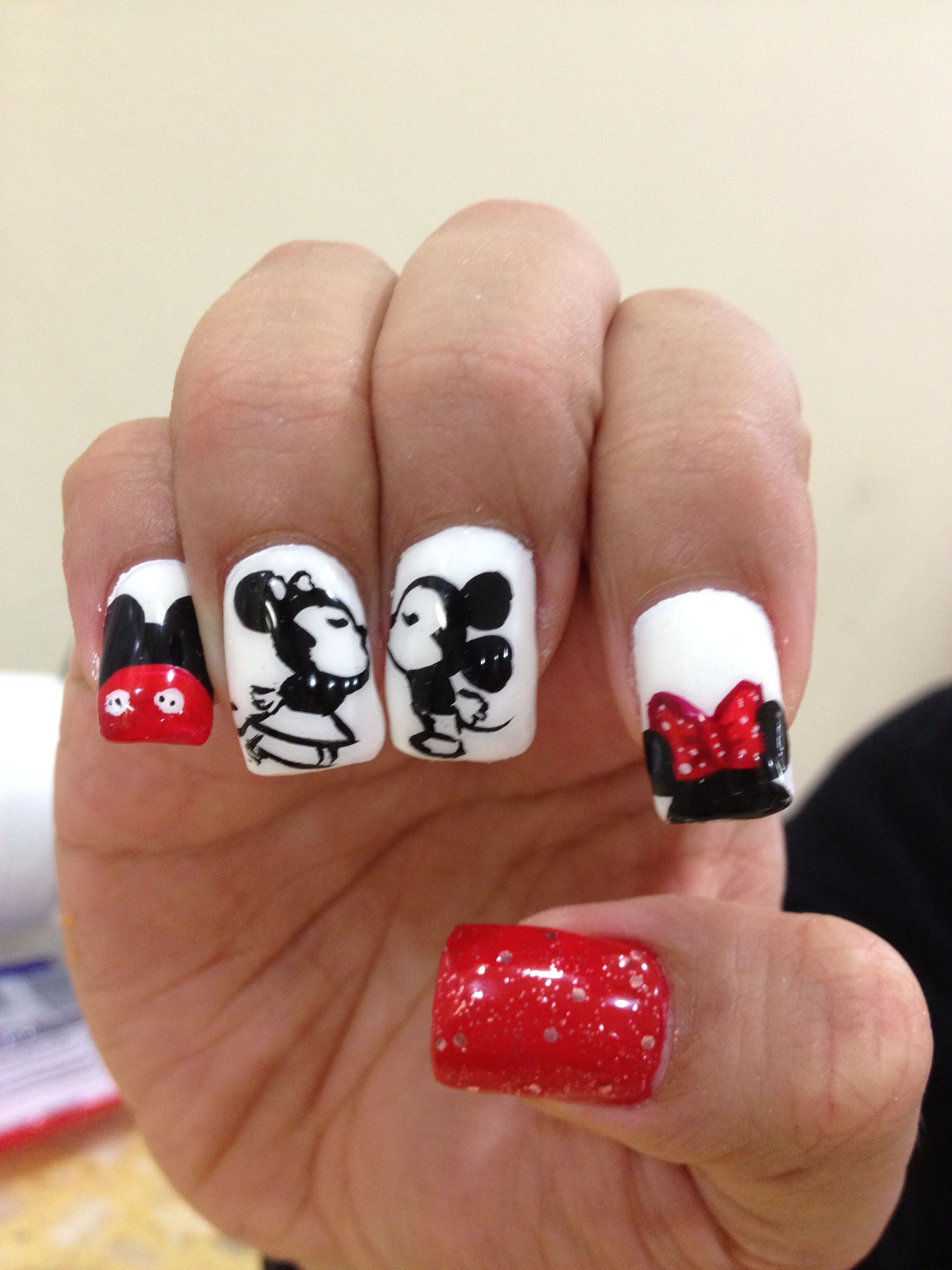 Mickey/Minnie Mouse Nails - Nails | Pinterest - Gelnagels