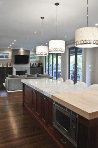 Light Color Counter Tops And Dark Solid Color Tones Look Sophisticated And  Functional.