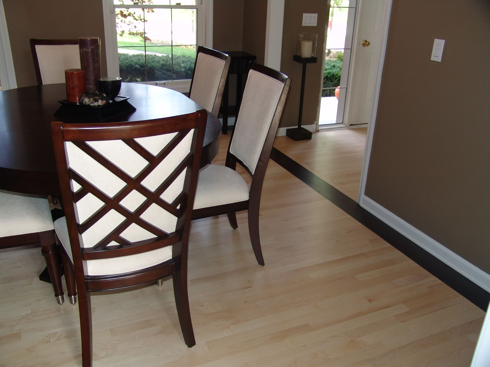 Site Finish Maple With Chocolate Stained Border Dining Chairs Home Decor Furniture