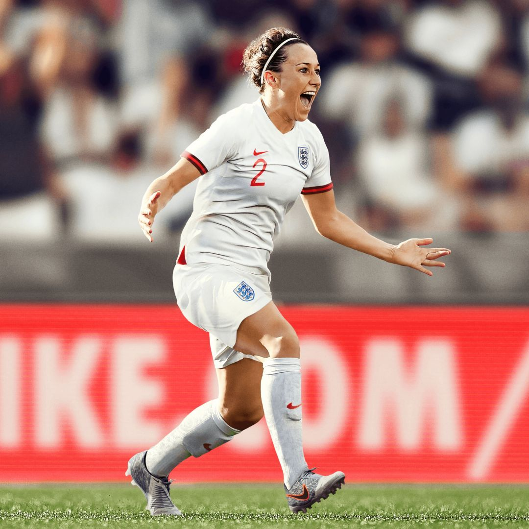 England 2019 Stadium Home Women S Soccer Jersey Nike Com In 2020 Womens Football Womens Soccer Soccer Jersey