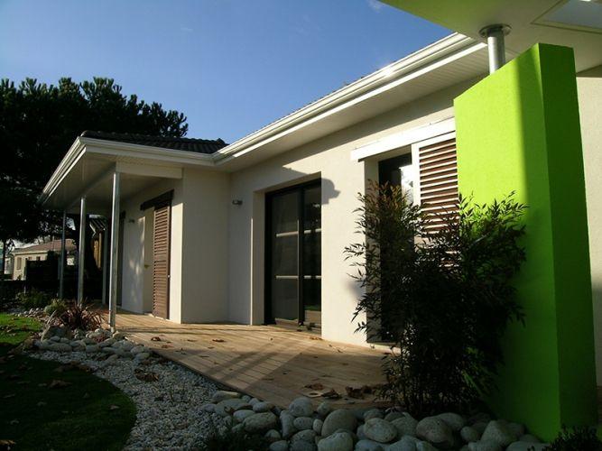 Gaïa, une maison belle et BBC  porche du0027entrée Maisons