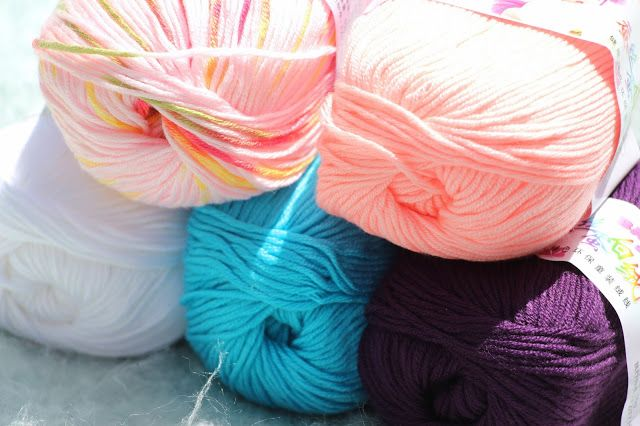 Thea's Thinkings: Stocked up! I have a Yarn habit!