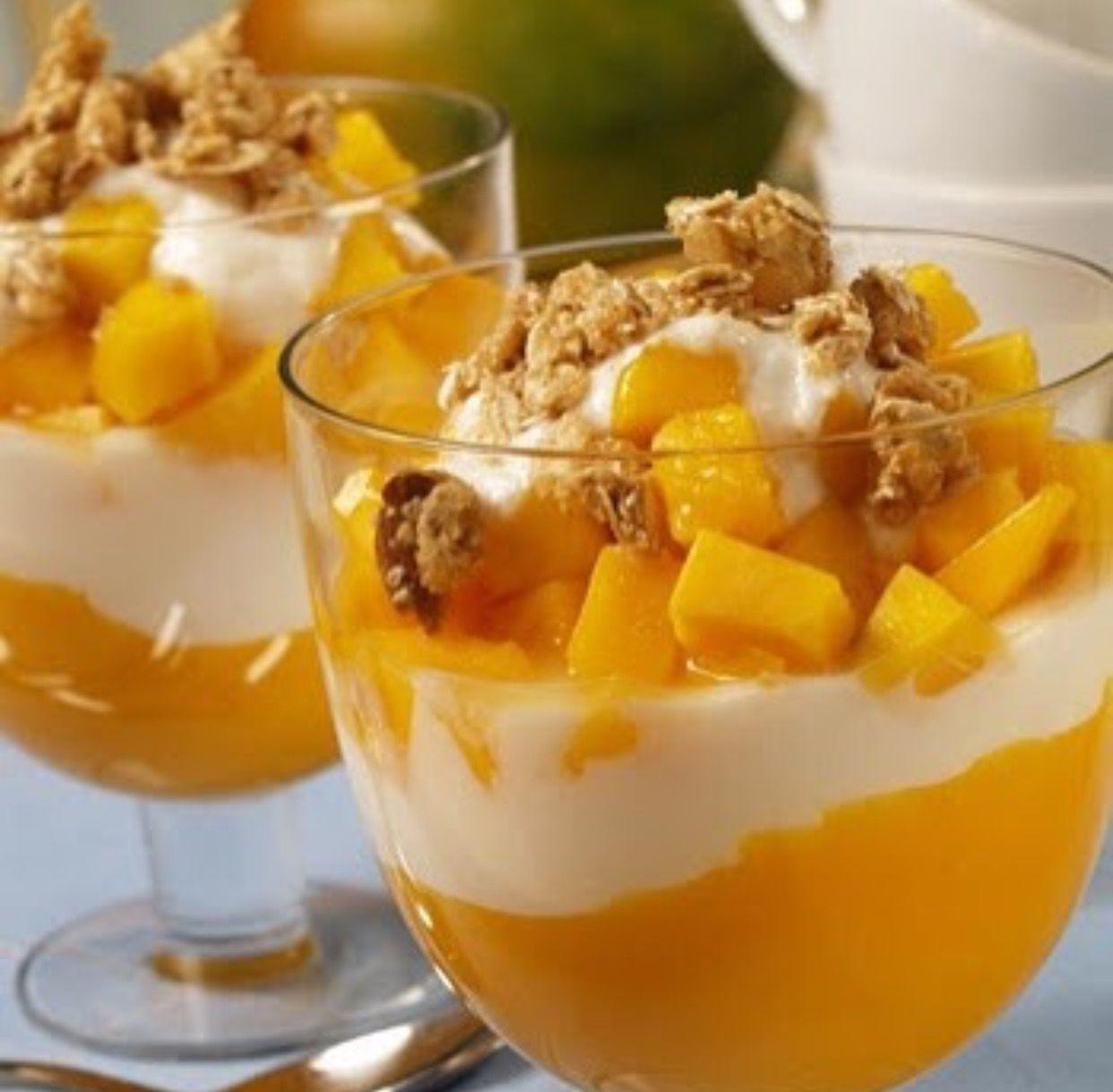 طريقة عمل شراب المانجو بالزبادي بالصور تحضير شراب المانجو مع الزبادى المقادير كوبان من قطع أو لب المانجو الناضج كوبان من Mango Dessert Mango Recipes Food