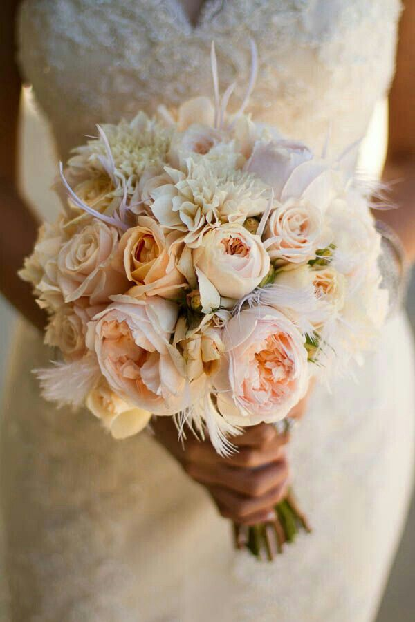Mazzo Di Fiori English.Beautiful Bridal Bouquet Peach English Garden Roses Pastel Peach