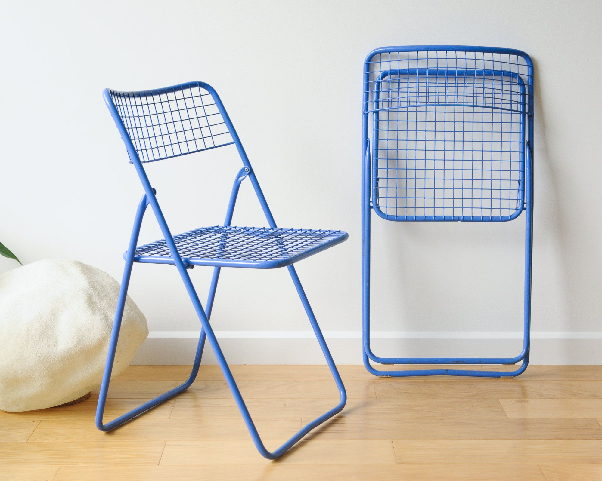 1980s Vintage Ikea Ted Net Chairs By Niels Gammelgaard Folding Chairs Blue And Chrome Metal Wire Swedish Design Unique Design Folding Chair Chair Swedish Design