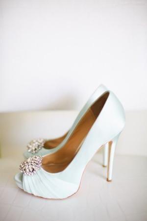 Casamento Romântico Chique De Adrienne Gunde Fotografia Sapatos Por Lena Light Blue Wedding Shoesblue