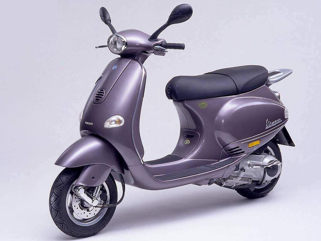 Vespa ET4 150cc, 1999 - First Piaggio scooter equipped with the new  generation 4-