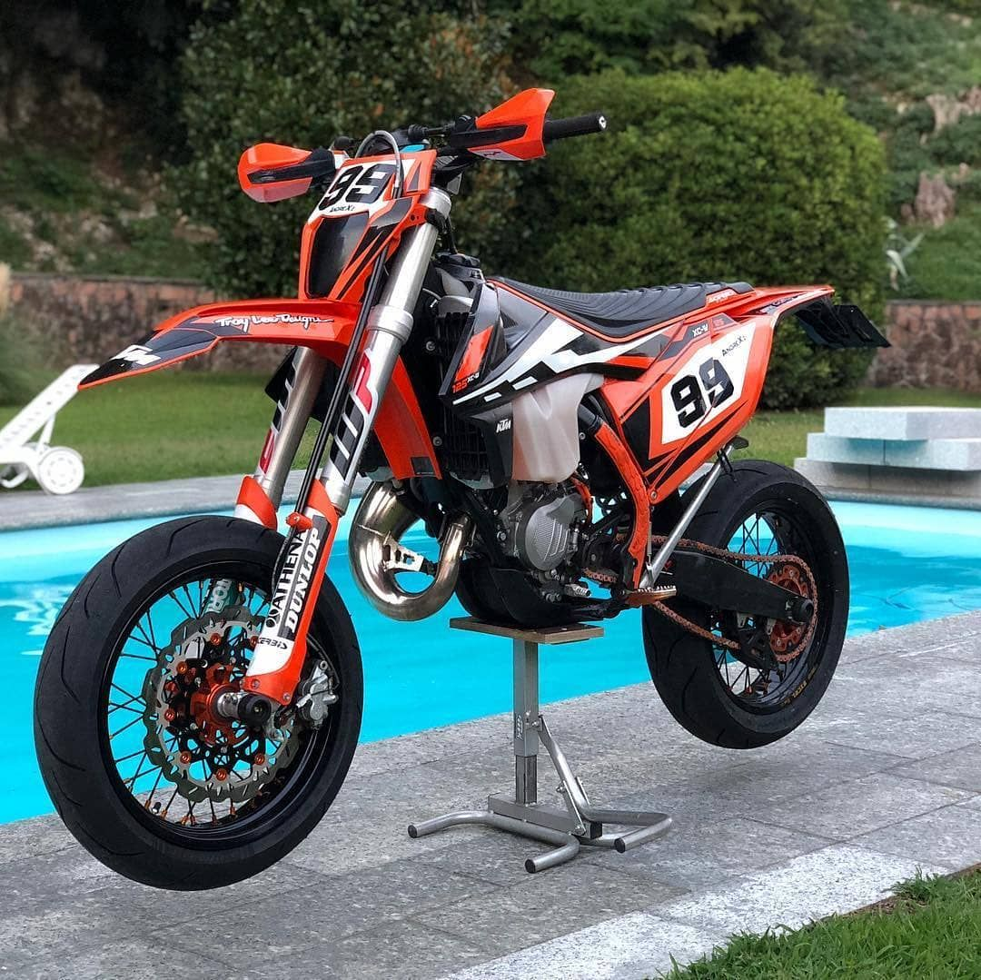 Cloud9supermoto On Instagram By Andrexi99222 Supermoto Supermotard Motocross Super Supermoto Ktm Supermoto Yamaha Dirt Bikes