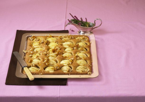 Unser beliebtes Rezept für Apfel-Kürbis-Blechkuchen und mehr als 55.000 weitere kostenlose Rezepte auf LECKER.de.