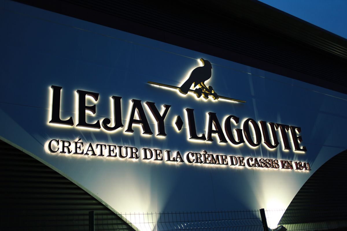 Enseigne lumineuse r tro clairage leds lejay lagoute dijon sodifalux enseignes - Barre lumineuse led cuisine ...